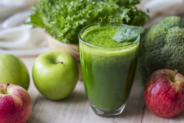 apple green detox power smoothie